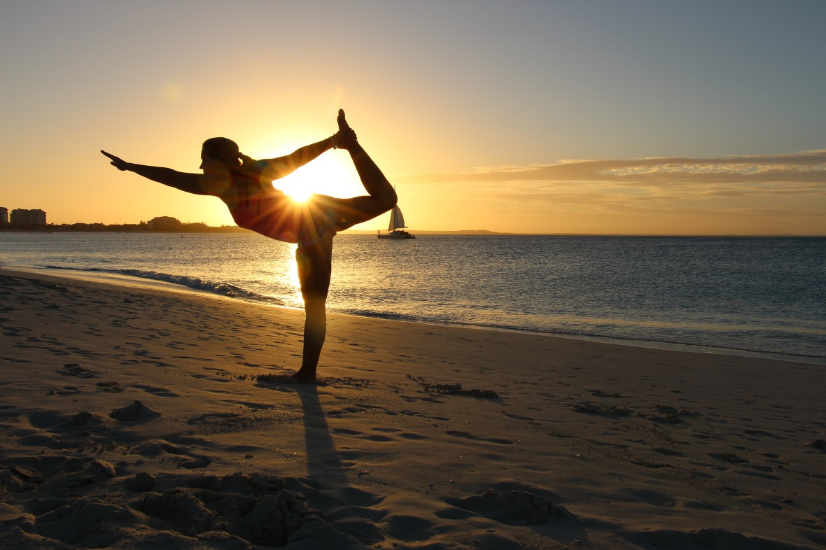 YOGA STANDING BOW SUN MANIPUR